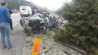 AİLE HEKİMİ - Kamyonla otomobil çarpıştı, aile hekimi feci şekilde can verdi