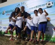 CENTİLMENLİK - Antalya'da İlkokul Öğrencileri Hoşgörü İçin Sahaya İndi