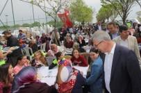 PAŞAKÖY - Başkan Yaralı Paşaköy'de Hayır Yemeğine Katıldı