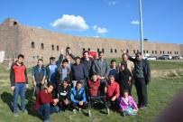 AFRİN OPERASYONU - Engelliler Meclisi Zeytin Dalı Harekâtına Destek İçin Tabyalara Yürüdü