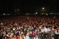 HÜSEYIN SÖZLÜ - Gitar Festivalinin Son Gününde Adanalı Sanatçılar Coşturdu