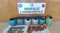 PLASTİK PATLAYICI - Hakkari Valiliği Açıklaması 'Çukurca'da SA-18 Füze Gövdesi İle Patlayıcılar Ele Geçirildi'