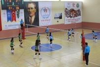 Karaman'da Kulüplerarası Voleybol Müsabakaları Sona Erdi