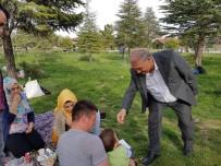 Niğde Belediye Başkanı Özkan Kent Ormanı'nda Vatandaşla Buluştu