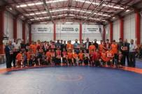BURAK ÖZCAN - Okul Sporları Güreş Müsabakaları Yapıldı
