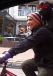 (Özel)Bisiklet Üzerinde Köpekli Yolculuk Renkli Görüntüler Oluşturdu