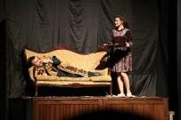 SANAT ATÖLYESİ - Rizeli Tiyatrocuların 'Muammer Muammer' Oyununa Büyük İlgi