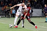 AHMET ÇALıK - Spor Toto Süper Lig Açıklaması Gençlerbirliği Açıklaması 0 - Galatasaray Açıklaması 0 (İlk Yarı)