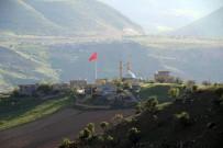Teröristlerden Temizlenen Dağlarda Dev Türk Bayrağı