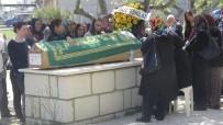 ELEKTRİK TRAFOSU - Trafik Kazasında Hayatını Kaybeden 3 Genç Son Yolculuklarına Uğurlandı