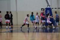 Yalova'da Kadın Basketbolcular Kavga Etti