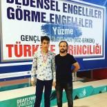 MEHMET AKTAŞ - Görme Engelli Yüzücü 4 Madalya Kazandı