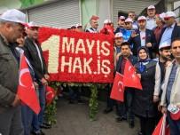 KAMU ÇALIŞANLARI - HAK-İŞ Sendikası Taksim'deki Cumhuriyet Anıtı'na Çelenk Bıraktı