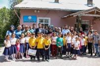 KAYALı - Meramlı Gençler Kayalı'da Çocuklarla Buluştu