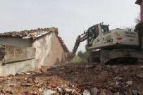 CAN GÜVENLİĞİ - Osmangazi'de 72 Metruk Bina Yıkıldı