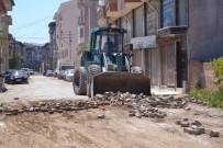 SU ŞEBEKESİ - Şuhut'ta Yol Yenileme Çalışmaları Devam Ediyor