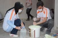 ÇOCUK İSTİSMARI - Üniversite Öğrencileri Viranşehir Kırsalındaki İlkokulu Baştan Sona Yeniledi