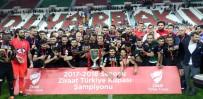 YILDIRIM DEMİRÖREN - Akhisarspor'un Kupasına Kavuştu