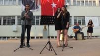 DEVİR TESLİM - Burhaniye'de 101 Liseli İçin Sazlı Sözlü Mezuniyet Töreni