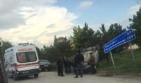 YENIKENT - Eskişehir'de Trafik Kazası Açıklaması 3 Yaralı