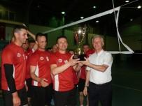 KOMANDO OKULU - Foça'da Voleybol Turnuvasının Birincisi Jandarma Okulu