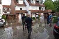 HAMBURG - Hamburg'da Sokakları Sel Bastı