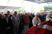 YAŞAR ÜNIVERSITESI - Kazada Ölen Eski Rektör Toprağa Verildi