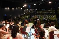 KONYAALTI BELEDİYESİ - Konyaaltı Belediyesi Keman Orkestrası Büyüledi