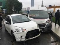 SERVİS ŞOFÖRÜ - Servis Aracı Otomobile Çarptı Açıklaması 11 Yaralı