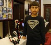 ROBOTLAR - 5. Sınıf Öğrencisinin Yılan Robotu Kampa Damga Vurdu