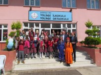 HAMDIBEY - Biga Hamdibey Mesleki Ve Teknik Anadolu Lisesi Öğrencilerinden Kardeş Okuluna Kitap Hediyesi