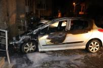 PATLAMA SESİ - Boşandığı Eşinin Otomobilini Benzin Döküp Yaktı
