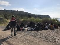 GÜNEY AFRIKA - Çanakkale'de Deniz Kenarında 26 Kaçak Yakalandı