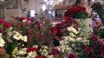 VAKIFLAR HAFTASI - Cuma Namazını Çiçekler Arasında Kıldılar