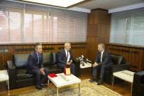 MEHMET ERDEM - Kahraman Şoförlere Başkan Çelik'ten Plaket