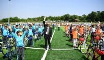 HÜSEYİN ÜZÜLMEZ - Kartepe'de Bisiklet Dağıtımı Devam Ediyor