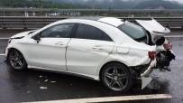 BOLU DAĞı - Kayganlaşan Yolda Otomobiller Çarpıştı Açıklaması 3 Yaralı