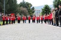 İŞARET DİLİ - Öğrencilerden Askerlere İşaret Diliyle İstiklal Marşı Sürprizi