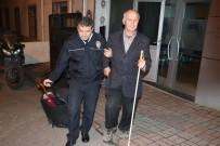GÖRME ENGELLİ VATANDAŞ - Vicdansızlar, Görme Engellinin 55 Lirasını Çaldı