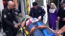 Bakan Ahmet Demircan Kazada Yaralananların Yardımına Koştu