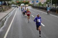 Bingöl'de Davullu Zurnalı Halk Koşusu