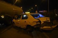 TİCARİ TAKSİ - İzmir'de Zincirleme Trafik Kazası Açıklaması 5 Yaralı