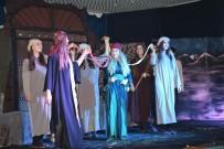 AŞIRET - Kozluk'ta 'Mahmud İle Yezida' Tiyatro Oyununa Yoğun İlgi