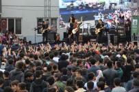 EMRE AYDIN - Mardin'de 1 Günde 2 Ayrı Yerde Konserler Verildi