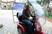 Mobil Ayakkabı Boyacısı, Aracıyla Hizmet Veriyor