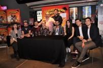 RÜZGAR ERKOÇLAR - 'Öğrenci Kafası Açıklaması Soygun' Filminin Ön Gösterimi Eskişehir'de Yapıldı