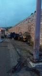 SARAYCıK - Otomobil, Elektrik Direğine Çarparak Takla Attı Açıklaması 1 Ölü, 1 Yaralı