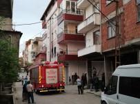Yangında Dumandan Etkilenen 4 Kişi Hastaneye Kaldırıldı