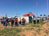 YOLCU MİNİBÜSÜ - Balıkesir'de Feci Kaza Açıklaması 19 Yaralı