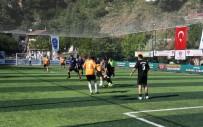 FUTBOL TURNUVASI - Eyüpsultan'da Spor Tesisi Ve Park Toplu Törenle Hizmete Açıldı